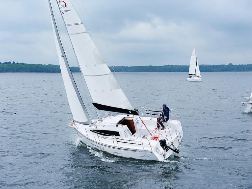Jachthuur in Port PTTK Wilkasy - Northman Maxus 26 Prestige + 8/1 via SamBoat