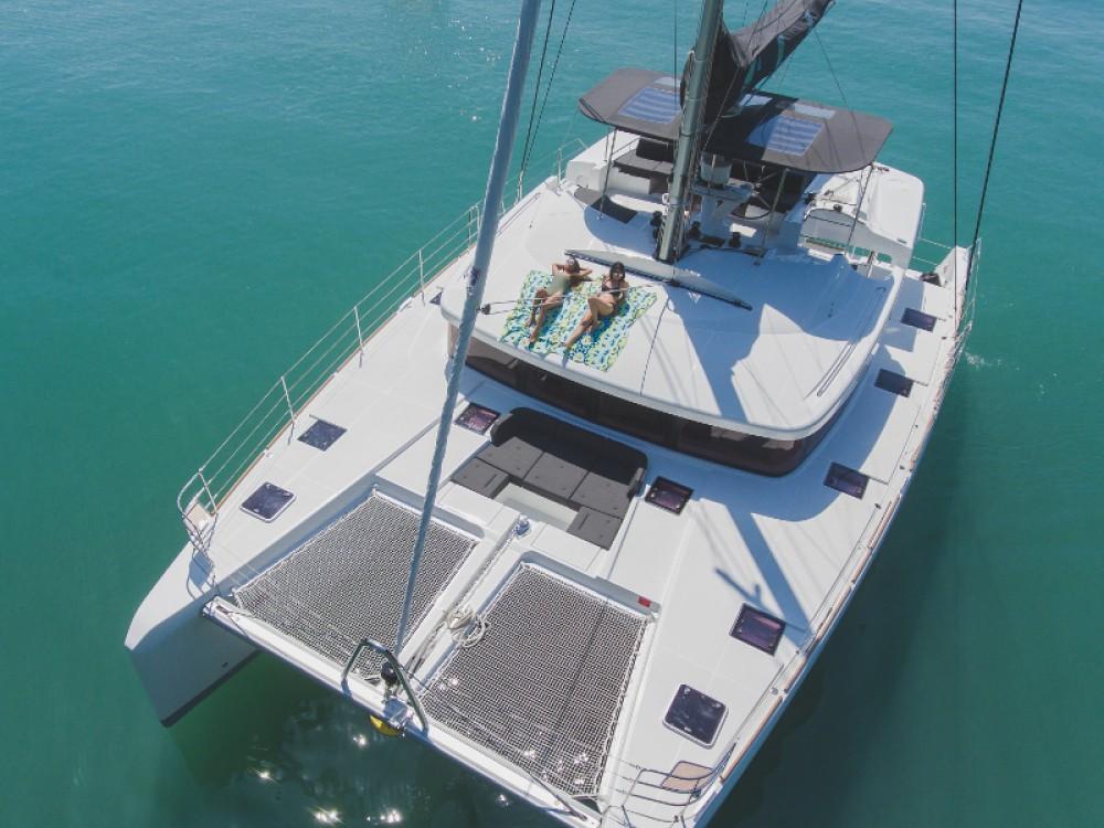 Bootverhuur Phuket goedkoop Lagoon 52F