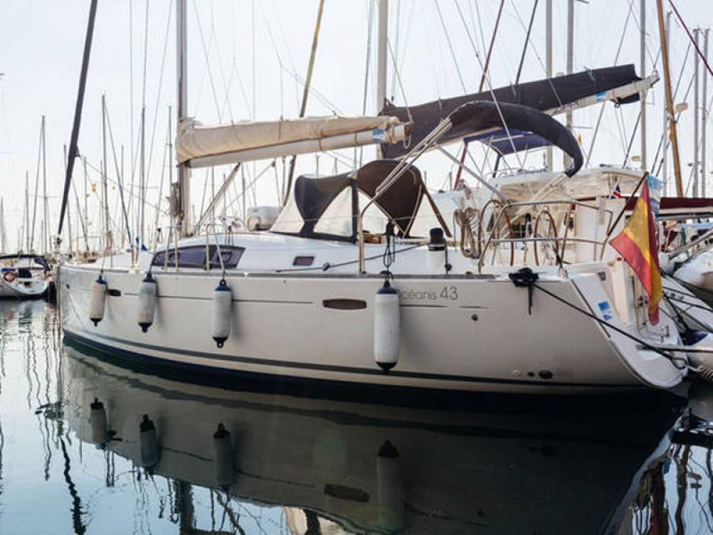 Bootverhuur Bénéteau Beneteau Oceanis 43  in Barcelona via SamBoat
