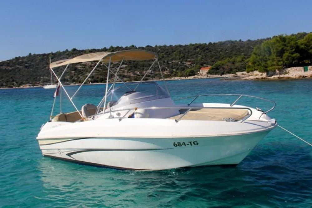Huur Motorboot met of zonder schipper Bénéteau in Trogir