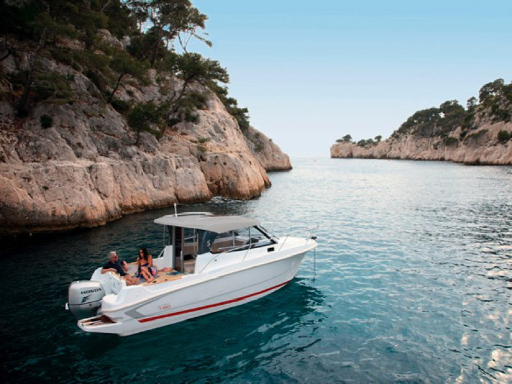 Bootverhuur ACI Marina Trogir goedkoop Beneteau Antares 7.80