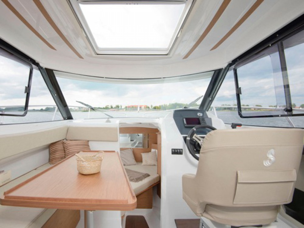 Bootverhuur Bénéteau Beneteau Antares 7.80 in ACI Marina Trogir via SamBoat