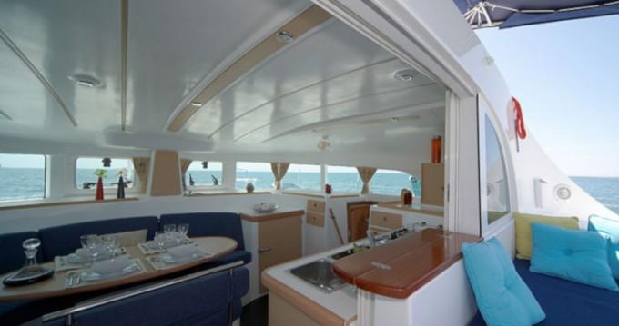 Bootverhuur Lagoon Lagoon 380 S2 in Capo d'Orlando via SamBoat