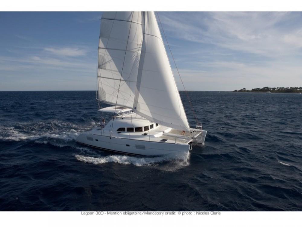 Huur Catamaran met of zonder schipper Lagoon in Furnari