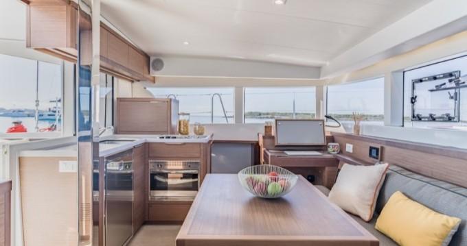 Verhuur Catamaran in Olbia - Lagoon Lagoon 40