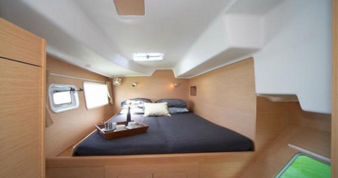 Bootverhuur Salerno goedkoop Lagoon 380 S2