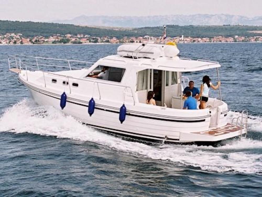 Huur Motorboot met of zonder schipper Sas Vektor in Grad Zadar