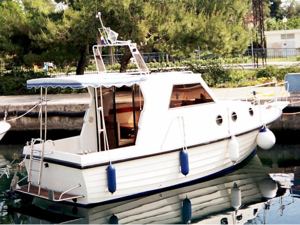 Bootverhuur  goedkoop Adria 28 Luxus