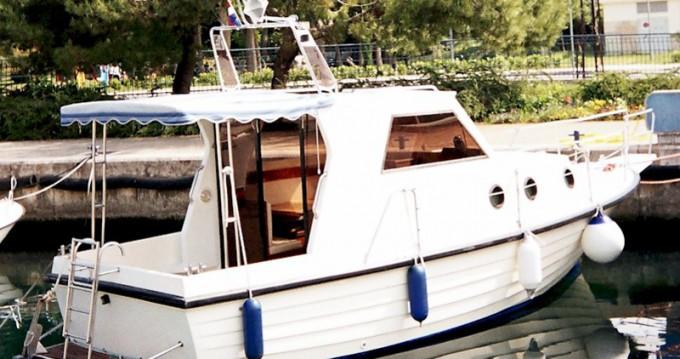 Motorboot te huur in Općina Sali voor de beste prijs