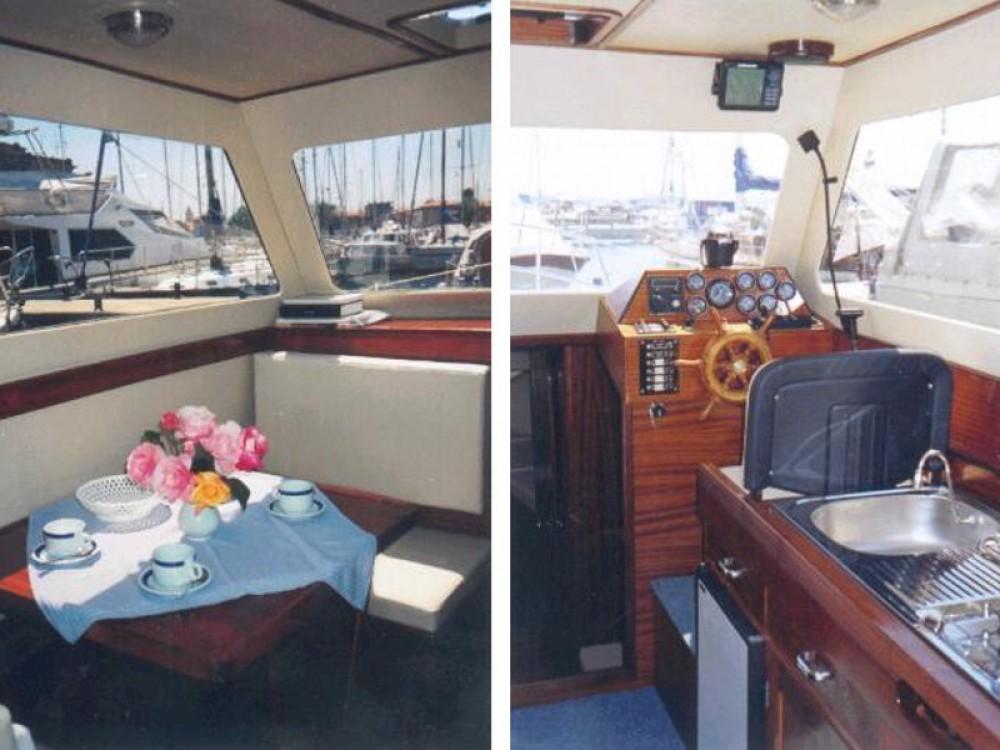 Verhuur Motorboot in  - Sas Vektor Adria 28 Luxus