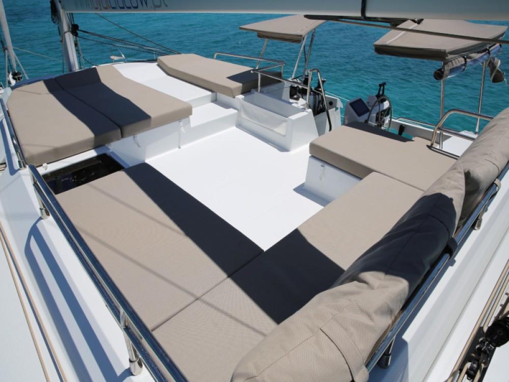 Huur Catamaran met of zonder schipper Fountaine Pajot in Terranoa/Olbia