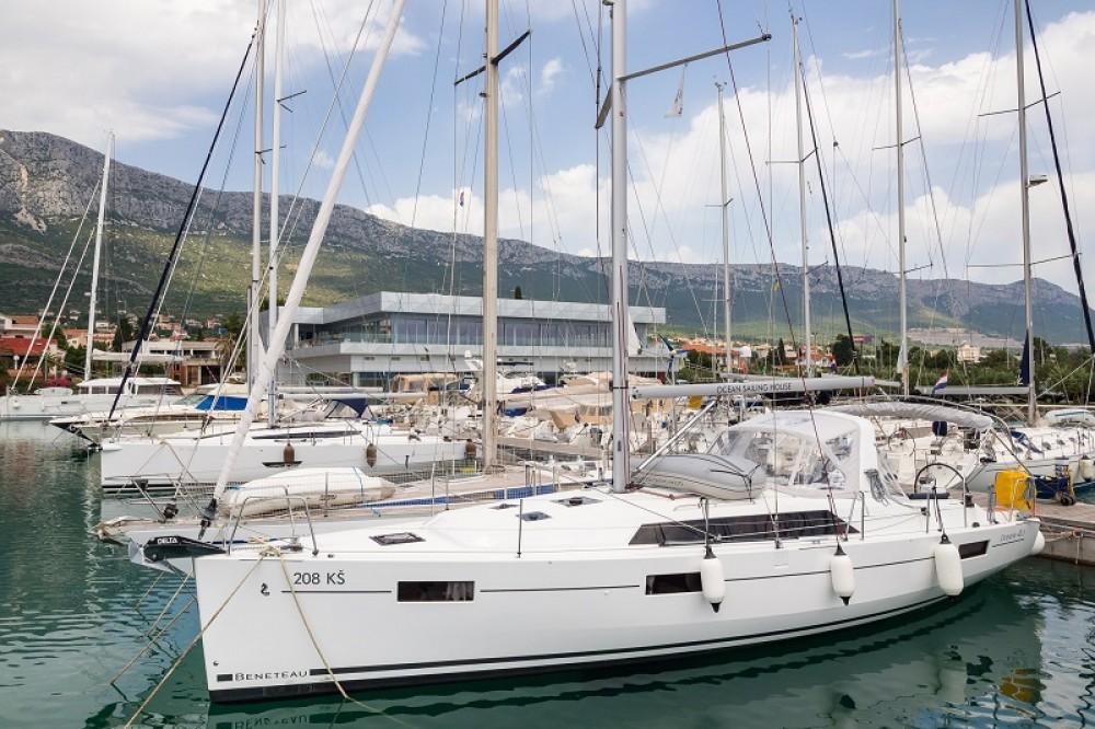 Bénéteau Oceanis 41.1 te huur van particulier of professional in Kaštel Gomilica