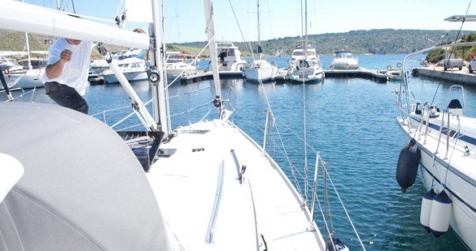 Jachthuur in Primošten - Bavaria Cruiser 33 via SamBoat
