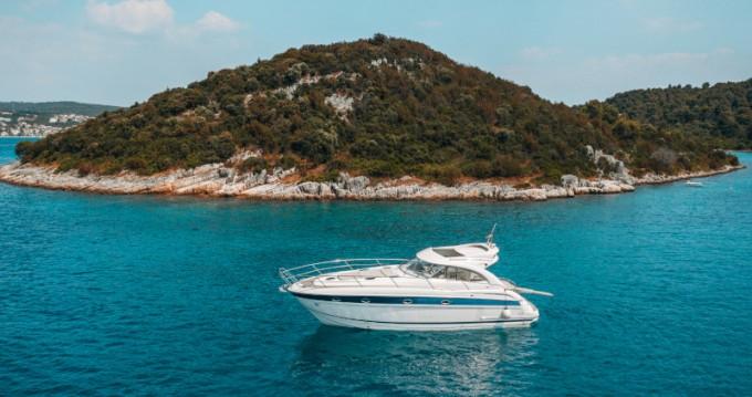 Huur Motorboot met of zonder schipper Bavaria in Donji Seget