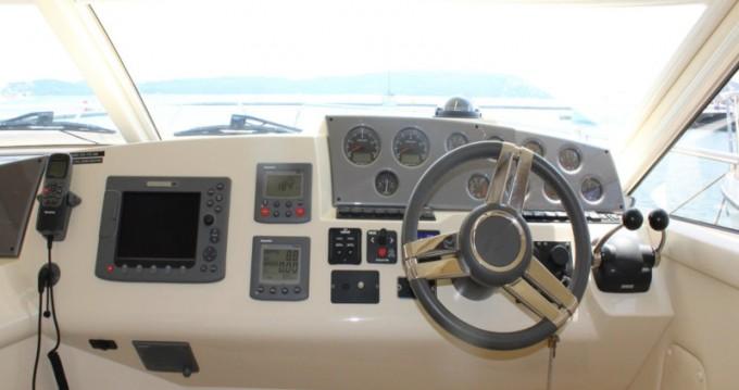 Jachthuur in Donji Seget - Sealine Sealine F42-5 Fly via SamBoat