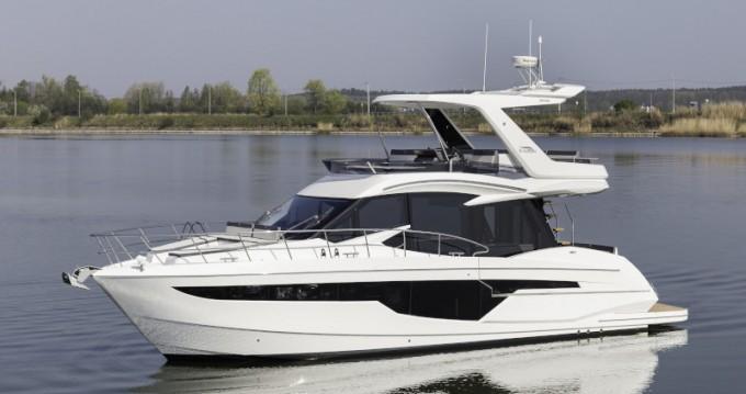 Huur Motorboot met of zonder schipper Galeon in Donji Seget