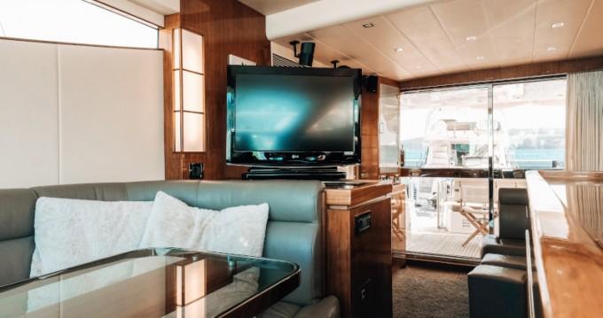 Elegance Yachts Elegance 60 Fly te huur van particulier of professional in Donji Seget