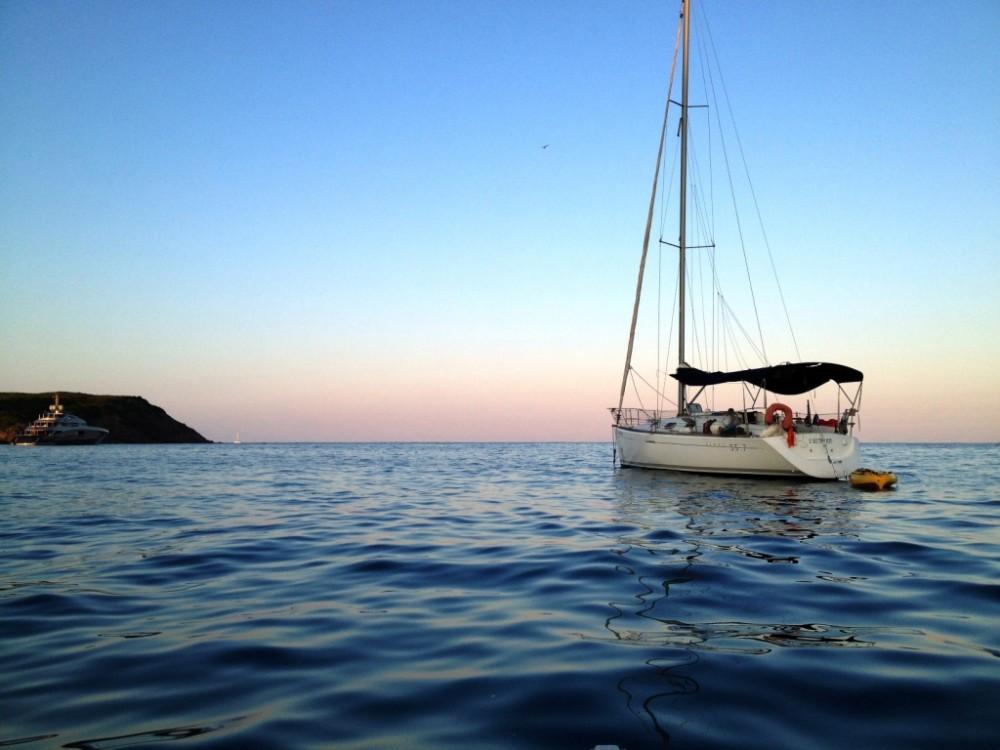 Verhuur Zeilboot in Roses - Bénéteau First 33.7