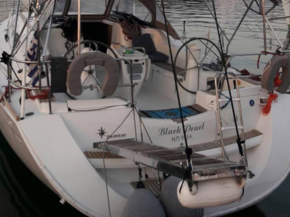 Bootverhuur Jeanneau Sun Odyssey 42 i in Marina de Alimos via SamBoat