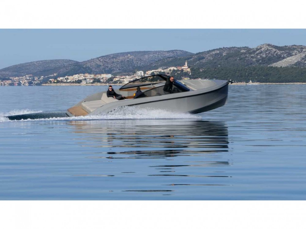 Bootverhuur  Supreme 27 p in Trogir via SamBoat