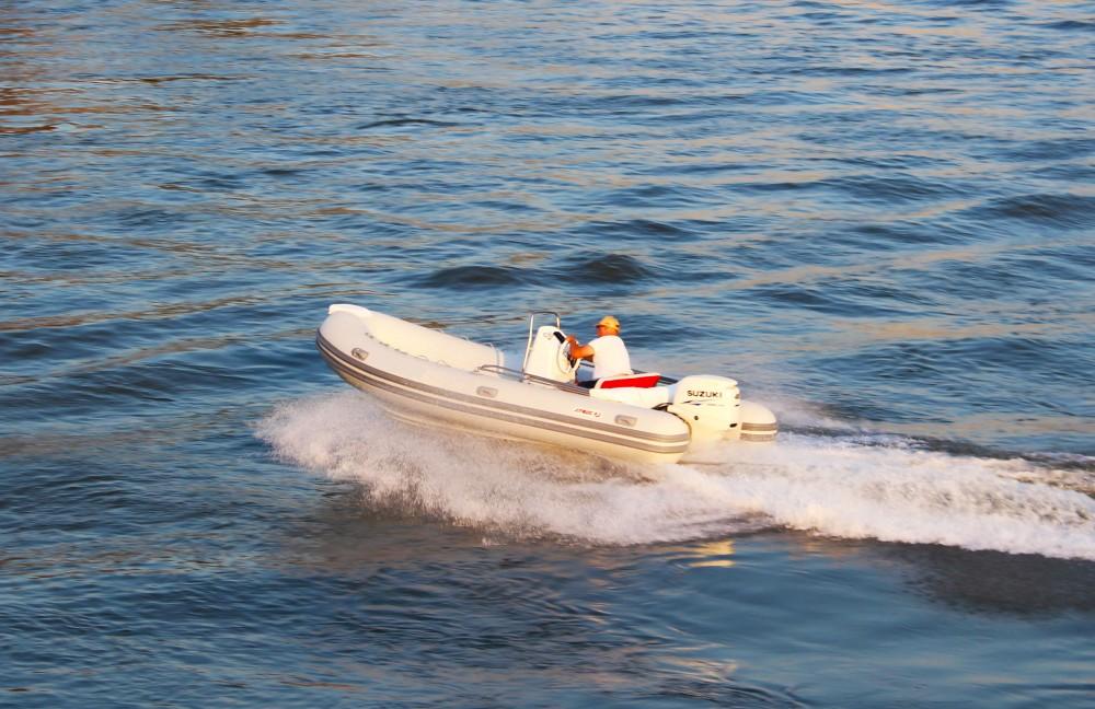 Verhuur Motorboot in Trogir -  Joymarc 490