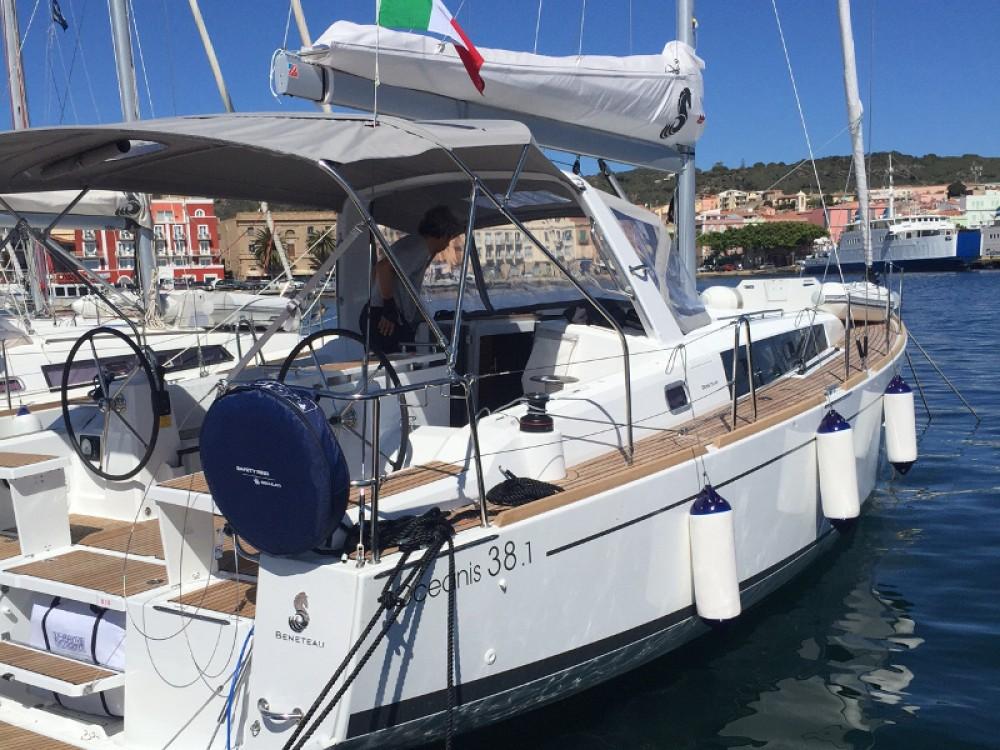 Bénéteau Oceanis 38 te huur van particulier of professional in U Pàize/Carloforte