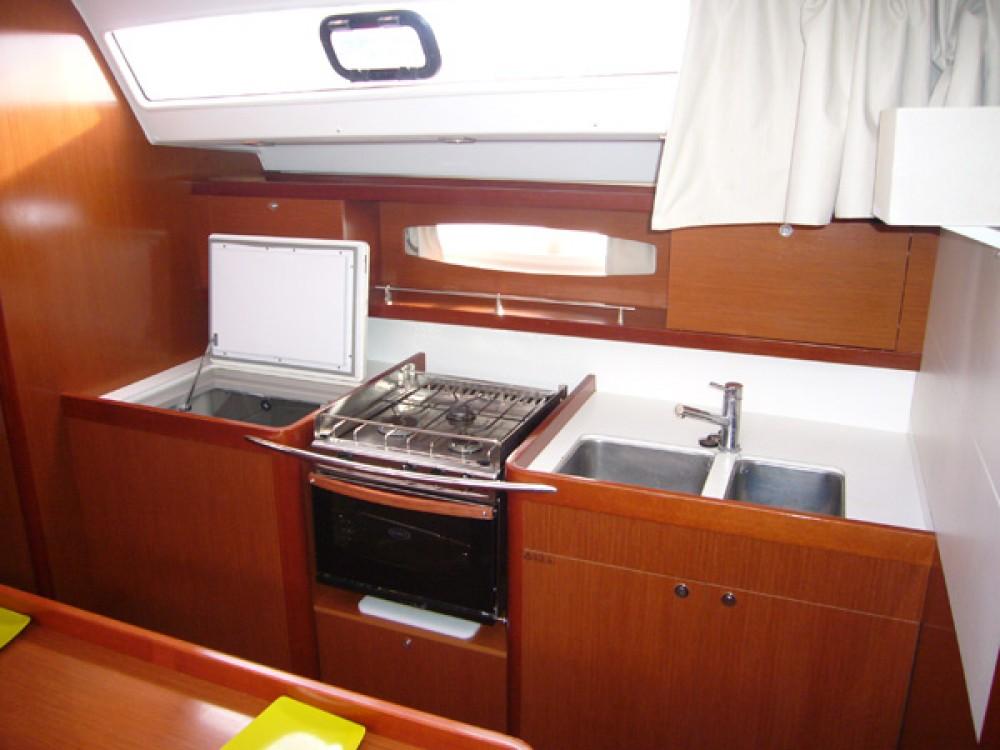 Jachthuur in  - Bénéteau Oceanis 50 Family via SamBoat