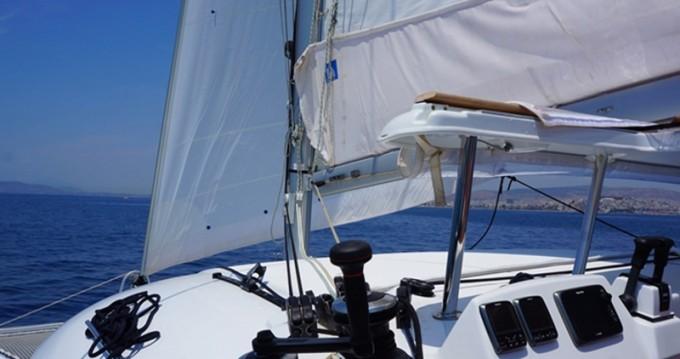 Bootverhuur Lagoon Lagoon 380 S2 in Athene via SamBoat