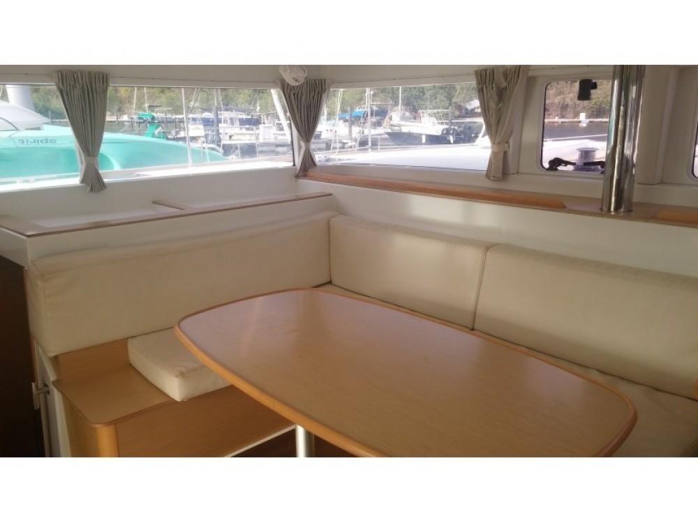 Bootverhuur Le Marin goedkoop Lagoon 400