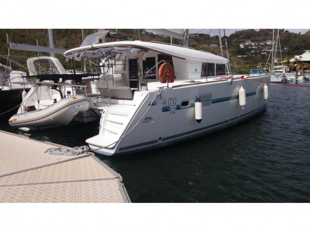Bootverhuur Grand Case goedkoop Lagoon 400 S2