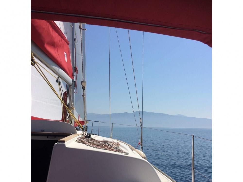 Huur een Jeanneau Sun Odyssey 32 in Leucade