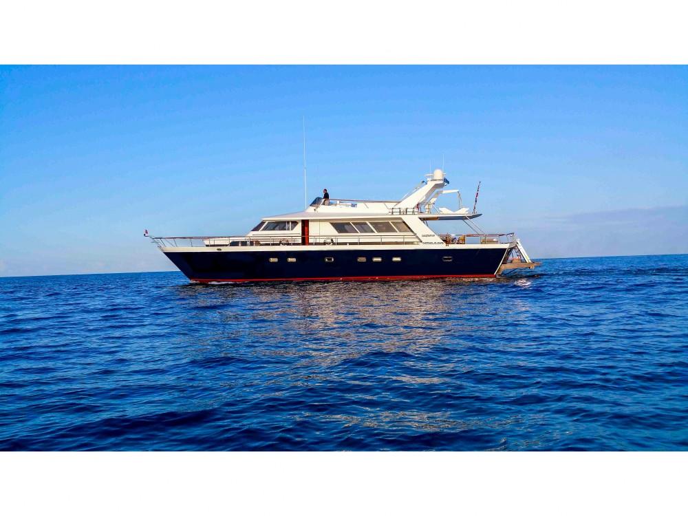 Bootverhuur Cantieri Pegasus 80 in Marina di Portisco via SamBoat