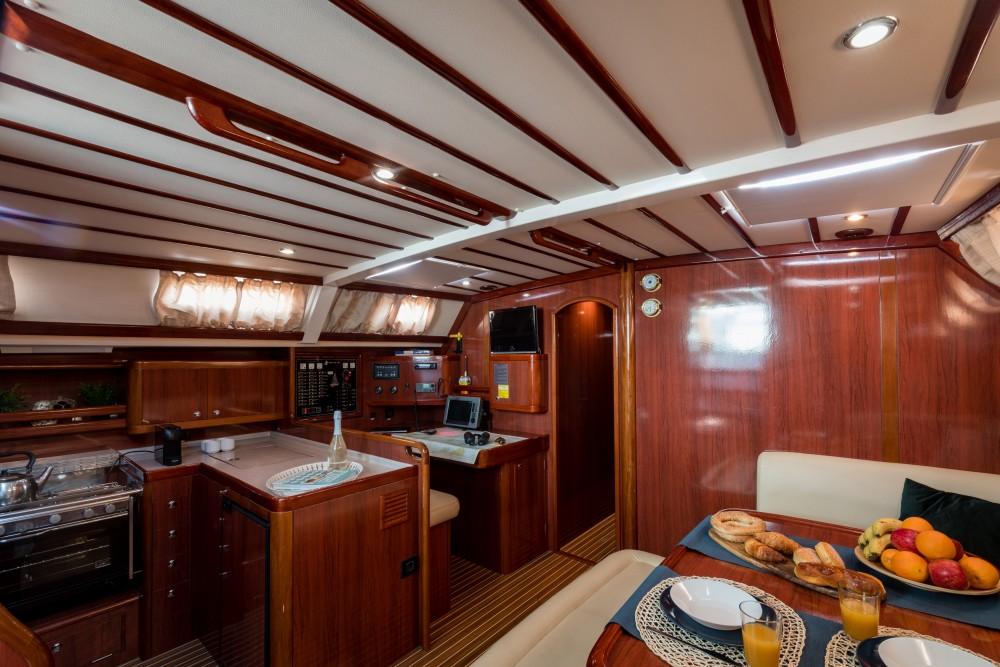 Bootverhuur Ocean Ocean Star 56.1 in Marina de Alimos via SamBoat