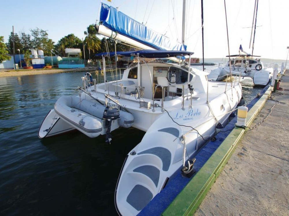 Bootverhuur Fountaine Pajot Athena 38 in  via SamBoat