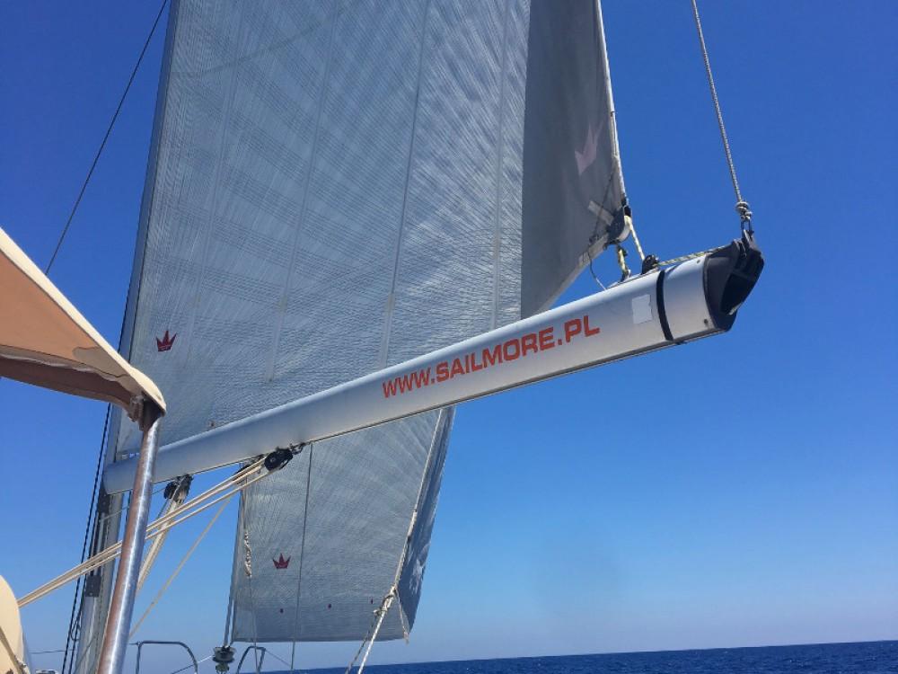 Bénéteau Oceanis 40 te huur van particulier of professional in Marina de Alimos