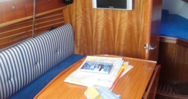 Bootverhuur Yerseke goedkoop Bavaria 30 Cruiser