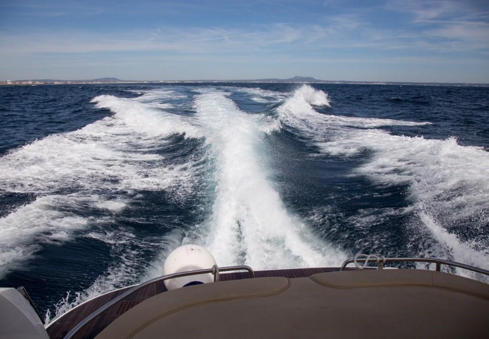 Bootverhuur Bavaria Bavaria 43 HT Sport in Marina Naviera Balear via SamBoat