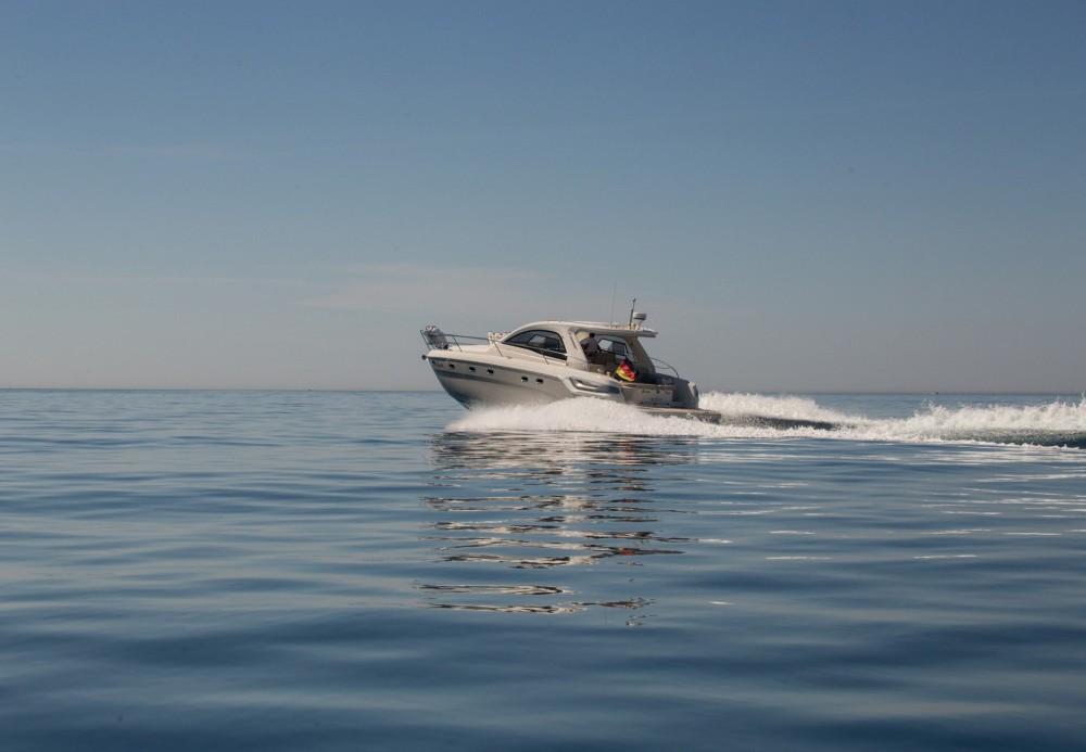Jachthuur in Marina Naviera Balear - Bavaria Bavaria 43 HT Sport via SamBoat