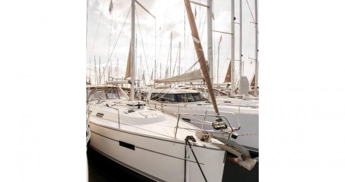 Bootverhuur Bavaria Bavaria 40 Cruiser in Athene via SamBoat