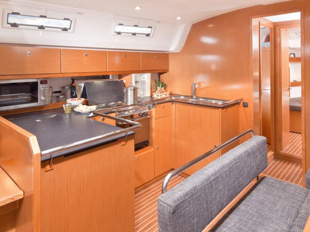 Verhuur Zeilboot in Follonica - Bavaria Bavaria Cruiser 50