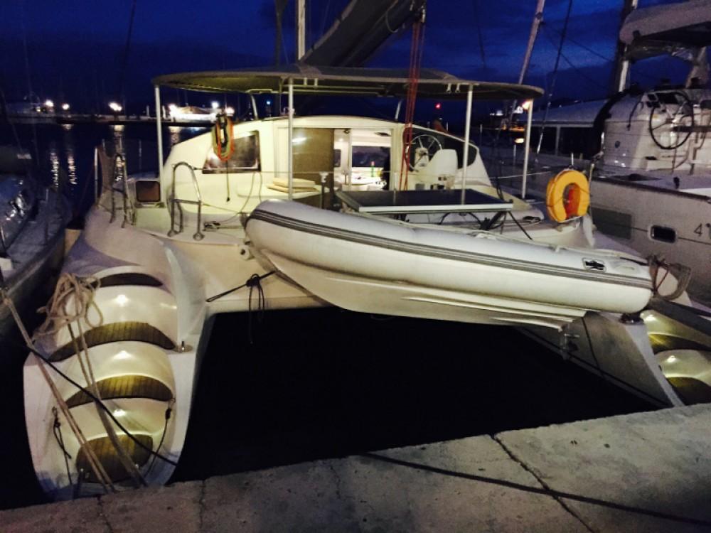 Verhuur Catamaran in Leucade - Fountaine Pajot Athena 38