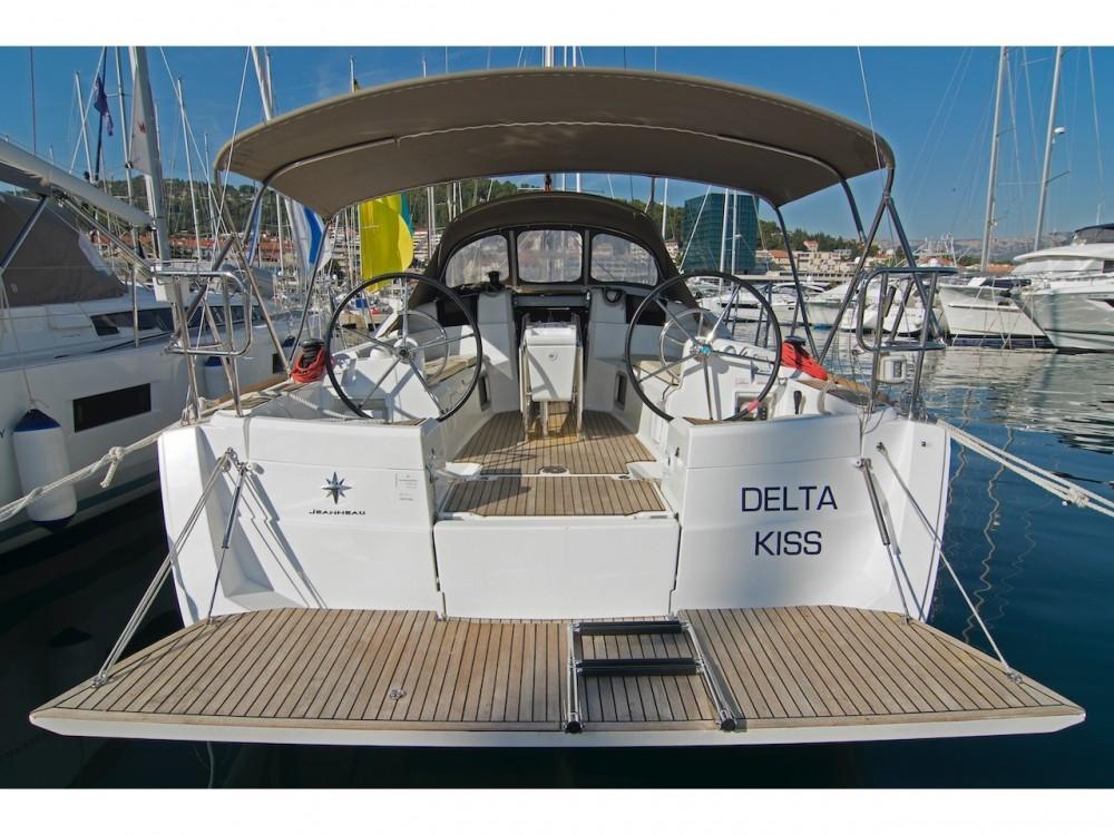 Verhuur Zeilboot in Split - Jeanneau Sun Odyssey 389