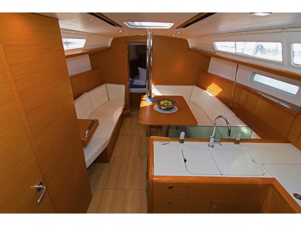 Jachthuur in Split - Jeanneau Sun Odyssey 389 via SamBoat