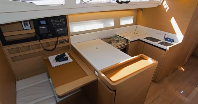Huur een Jeanneau Sun Odyssey 440 in Split