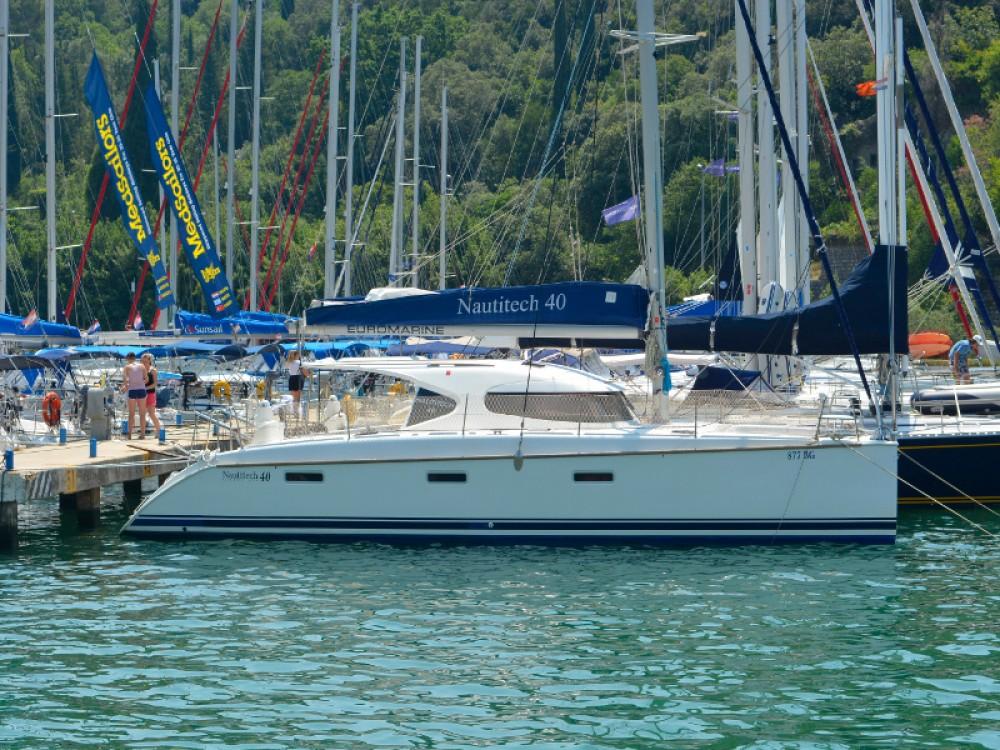 Verhuur Catamaran in  - Nautitech Nautitech 40