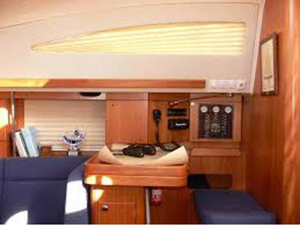 Bootverhuur Elan Elan 384 Impression in  via SamBoat