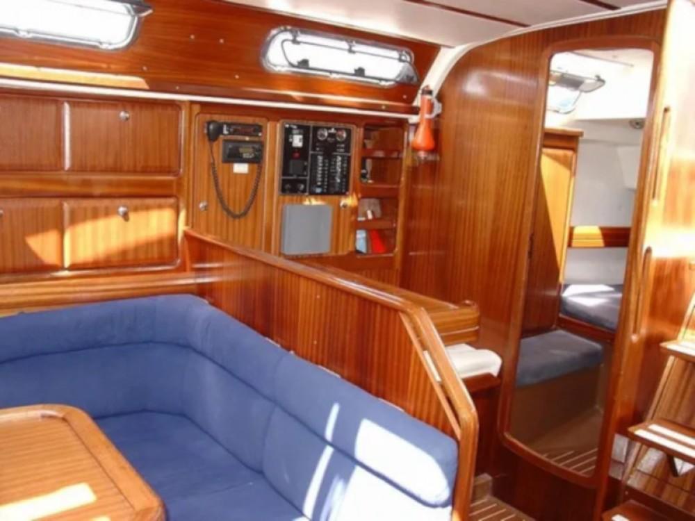 Bootverhuur Trogir goedkoop Bavaria 42 Cruiser