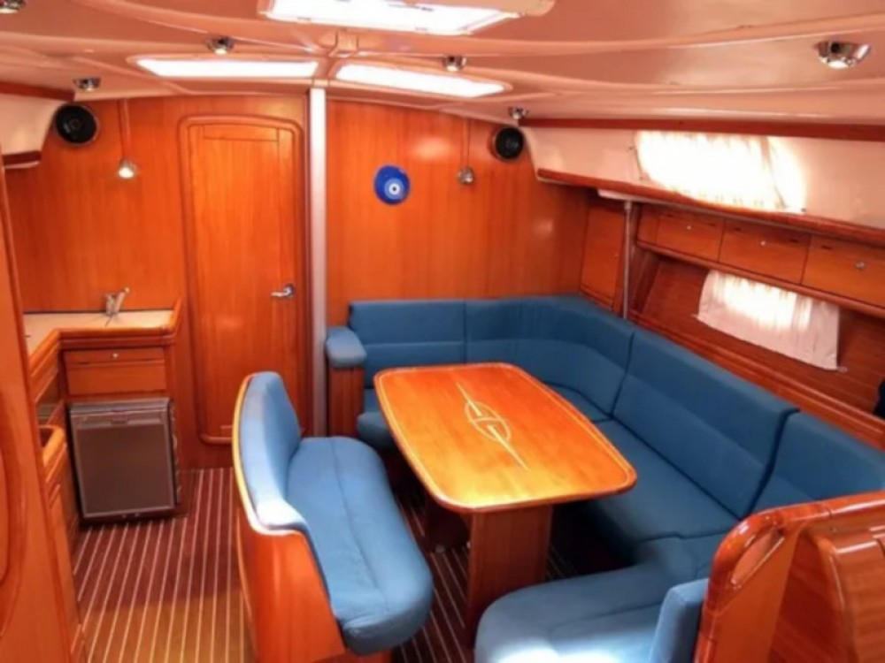 Huur een Bavaria Bavaria 42 Cruiser in Trogir