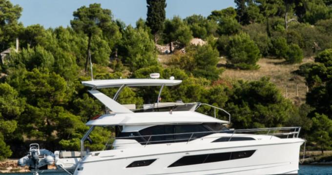 Bootverhuur  Aquila 44 Power catamaran in Šibenik via SamBoat