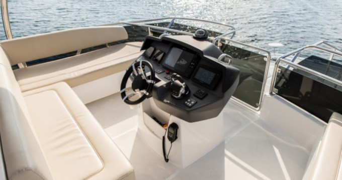 Aquila 44 Power catamaran te huur van particulier of professional in Šibenik